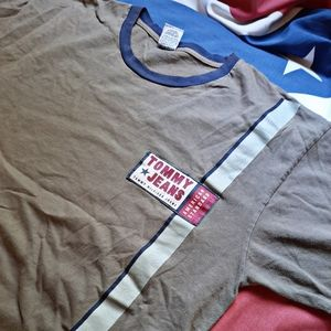 [Tommy Hilfiger] Army green branded tee.